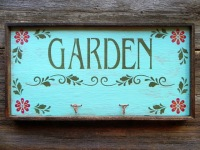 Garden Sign, Wall Hooks, Floral Design and Decor, Wall Accents, Gift for Gardeners, Outdoor Signs, Country Cottage Home Decor, Rustic Country Signs, Garden Art, Handmade by Crow Bar D'signs
