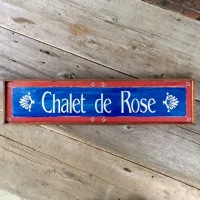 Custom Wood Signs, Personalized Wood Signs, Mountain Living Decor, Outdoor Living Space Decor, Decorative Wood Signs, Country Living Decor Ideas, Custom Home Signs, Crow Bar D'signs