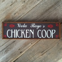 Chicken Coop Sign, Farmhouse Style Signs, Farmhouse Decor Ideas, Country Signs and Decor, Outdoor Living Decor Ideas, Farm and Ranch Style Signs, Rustic Wood Signs, Custom and Personalized Home Accents, Crow Bar D'signs