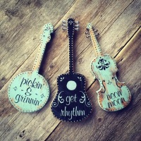 Country Music Decor Ideas, Banjo, Guitar, Fiddle Signs, Country Music Quotes, Music Lyrics on Wood, Country Home Decor Ideas, Music Inspired Signs, Musical Themed Wall Art